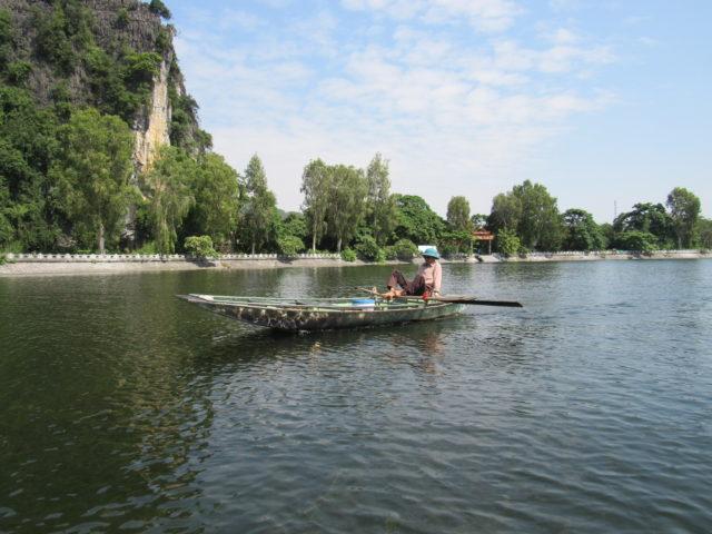 タムコックの川の船頭さん(写真提供:藤本)