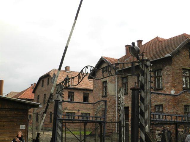 アウシュヴィッツ収容所の入り口