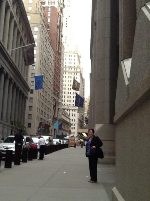 NYのウォール街で