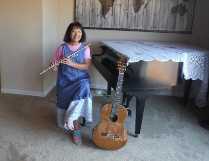 ピアノ、フルート、ギターは私の趣味(自宅)