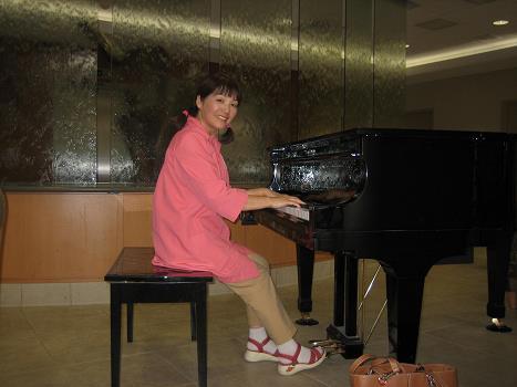 ピアノ弾きボランティア(Shady Grove Hospitalにて)
