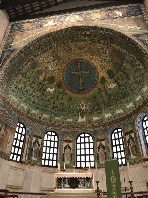 ラヴェンナ。サンタポリナーレ・イン・クラッセ教会