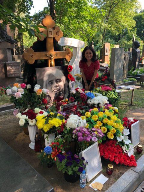 ファンだったバリトン歌手ホヴォロストフスキーの墓参り