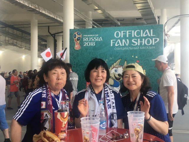 日本からきている応援団。右端が妹