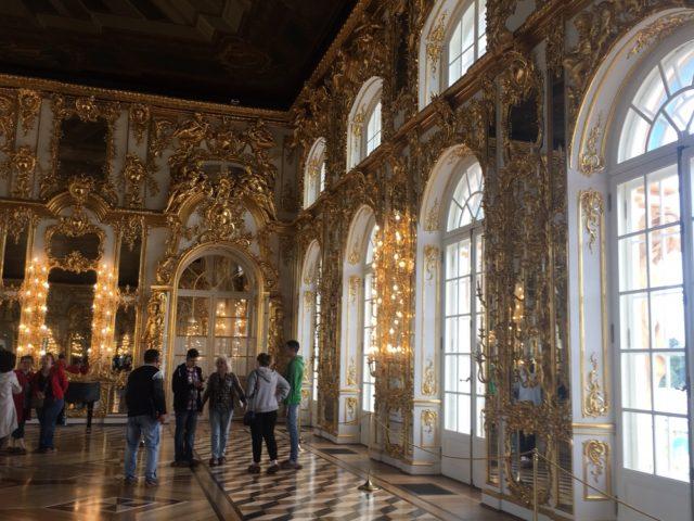 ぺテルゴフ離宮の謁見室