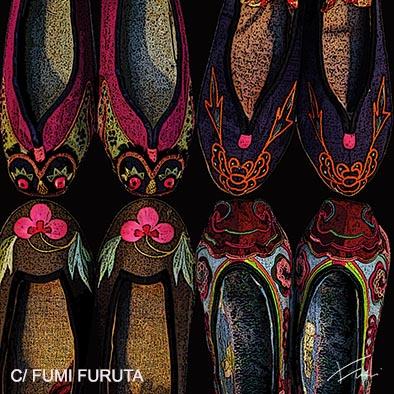 中国少数民族の綺麗な刺繍がほどこされた靴