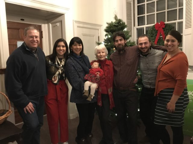 孫娘と初めてのクリスマス、マサチューセッツ州ウィリアムスタウンにて
