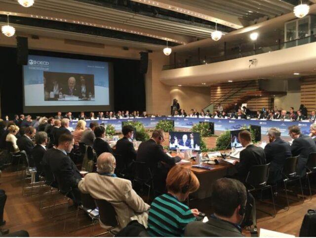地域開発に関するOECD閣僚会議 ©OECD