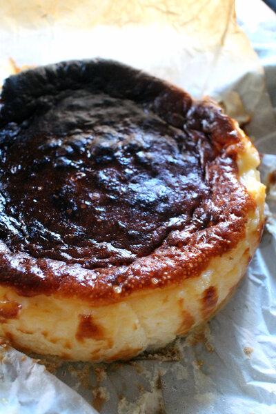 Tarta de Queso de La Viña バスクチーズケーキ