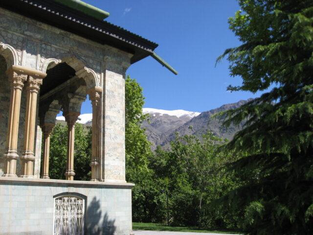 テヘランの緑豊かな公園